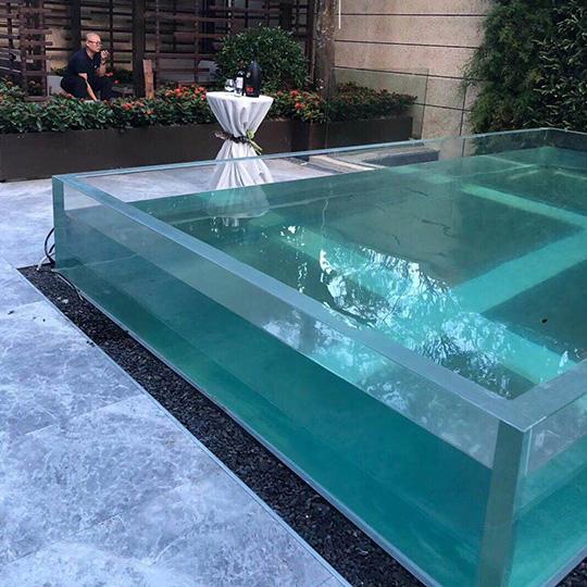 完全的亚克力游泳池